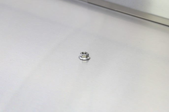 REPLACEMENT TOP PLATE NUT (8MM) STAINLESS